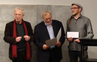 Preisverleihung am 26.10.2019 im Literaturhaus Berlin (v.l.n.r.: Frank-Thomas Gaulin (Stifter des Preises), Lienhard Böhning (Vorsitzender Erich-Mühsam-Gesellschaft), Kai Richarz (Wanderverein Bakuninhütte e.V.))